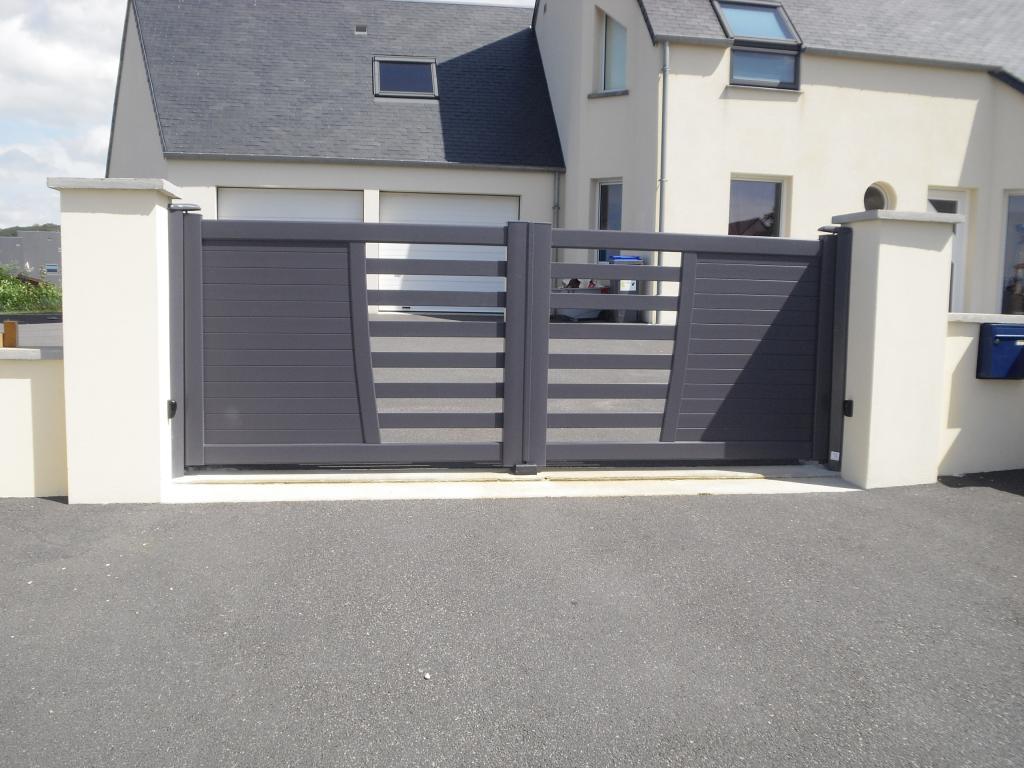 Menuiserie presquile decor fenetres volets portes for Portail de garage aluminium