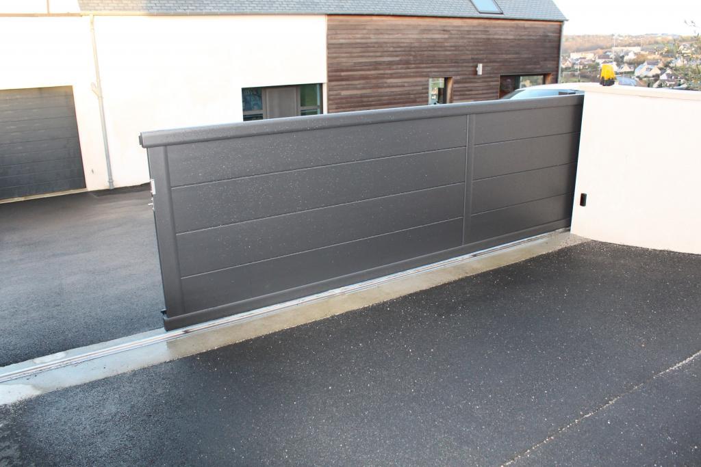 Menuiserie presquile decor fenetres volets portes for Portillon pvc gris